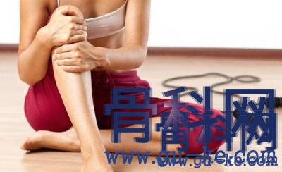 """腿疼走不成路?骨科专家支招:巧用""""黑豆+红糖"""",滑膜炎拜拜了"""