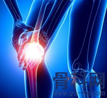膝盖有积液后能自行吸收吗?