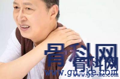 肩周炎,肩膀又酸又痛怎么办?有什么拉伸动作可以加快恢复?