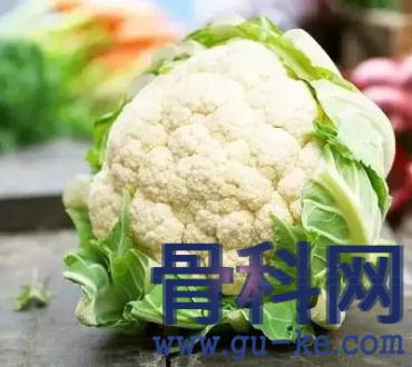 """痛风需要注意饮食,""""高嘌呤蔬菜""""有利于促进尿酸排泄?"""