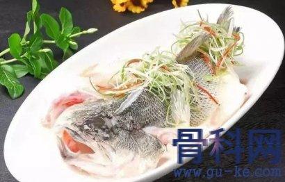 """空腹吃鱼可能导致""""痛风""""吗?"""