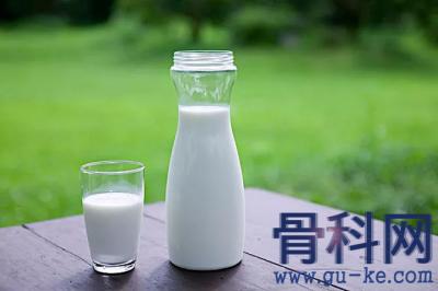 牛奶、酸奶和奶酪,谁的补钙效果最好?