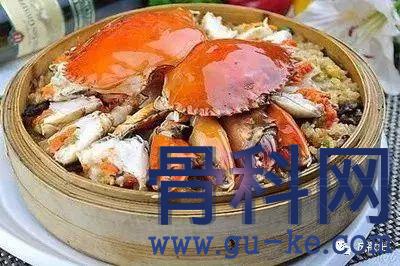螃蟹的嘌呤含量比猪肉还低,为何还更容易诱发痛风?