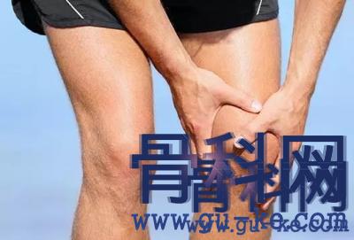 不论男女,排尿时出现2种异常,八成痛风要来,尽早就医!